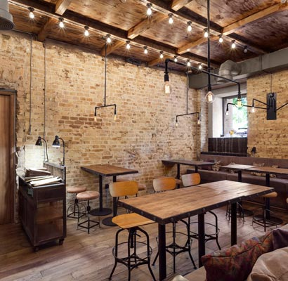 wood-furniture-loft-for-cafe-bar-restaurant-in-Moscow_